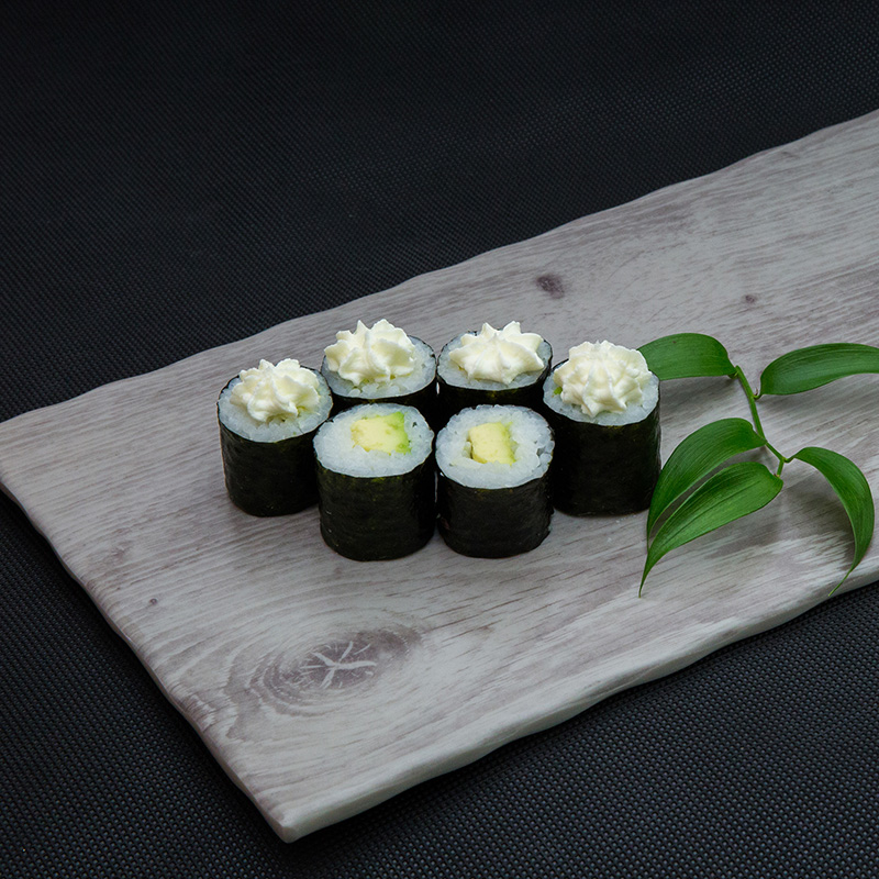 Avocado cream cheese maki